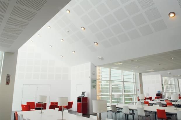 Plafonds plaques de Plâtre décoratives et acoustiques